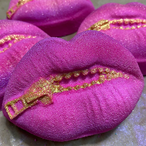 Zip Your Lips Bath Bomb