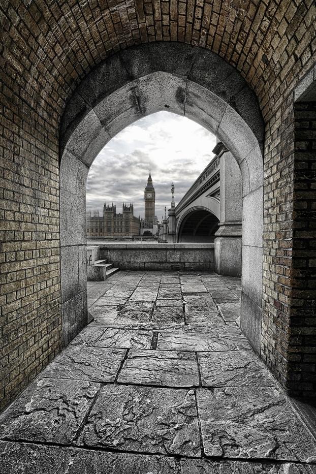 Big Ben Framed By Arch.jpg