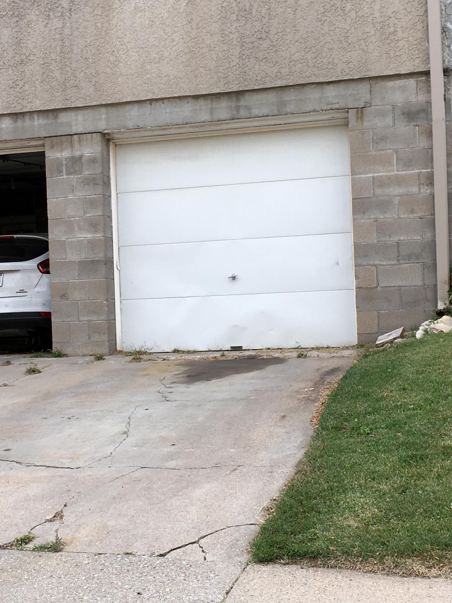 One car garage.jpg