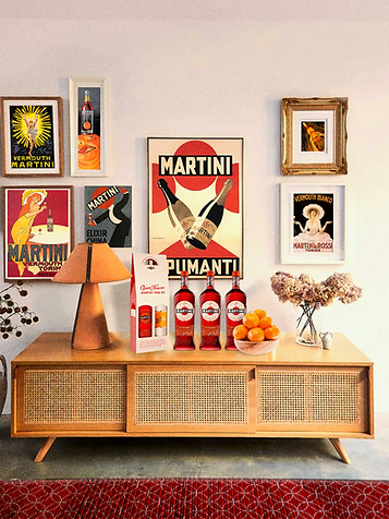 OPENHOUSE_martiniposterwall_warm.png