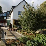 Wohnhaus vom Garten aus