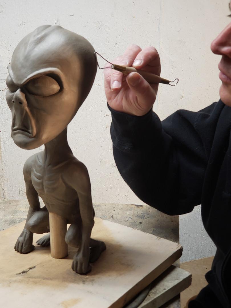 sculpting alien 1.jpg