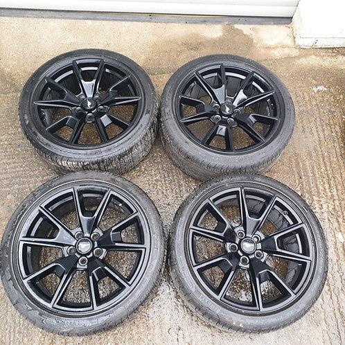"Ford S550 19"" Premium option wheel in black"
