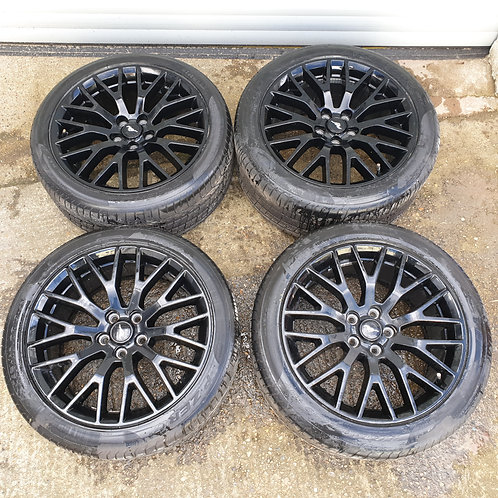 "Ford S550 19"" Black Performance pack Wheel"