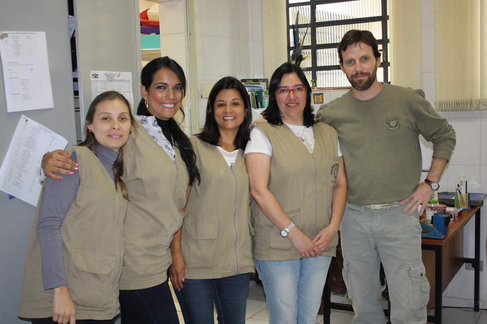 Cláudia Igayara e sua equipe - Zoológico Municipal de Guarulhos (2013)