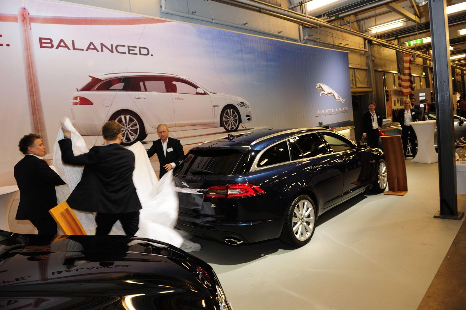 Production units Jaguar Land Rover