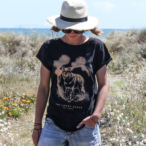COYOTE  |  BLACK TEE  |  THE LUCKY STATE