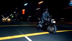 cerabike moto noche.jpg