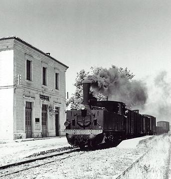 Estacion-de-Bocairente-VAY-locomotora-nº