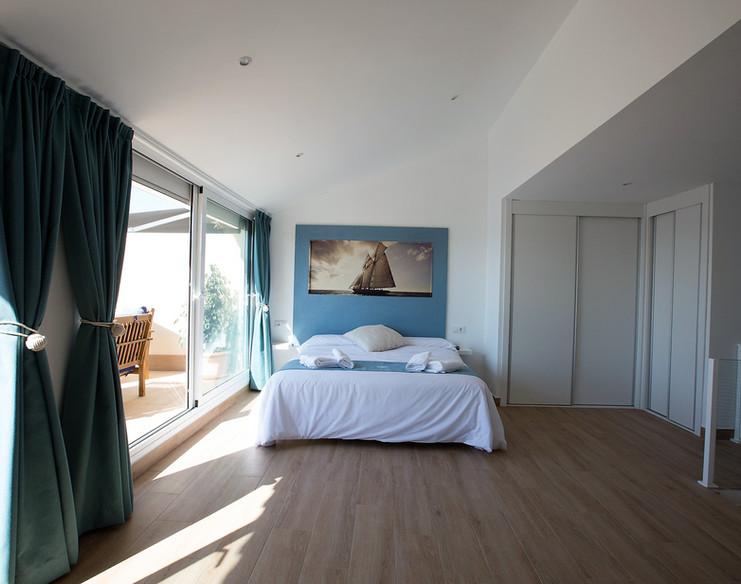 Atico 1- Dormitorio2.jpg
