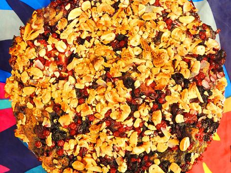 Ovocný koláč s kešu drobenkou