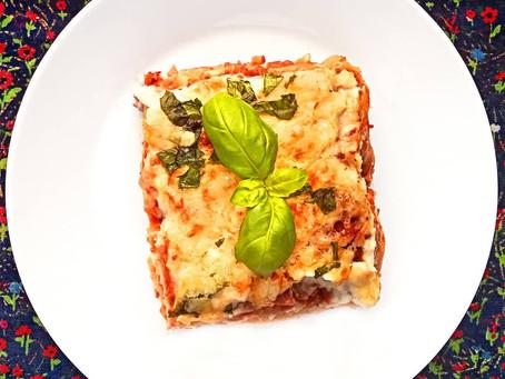 """Vege boloňské lasagne s květákovým """"bešamelem"""""""