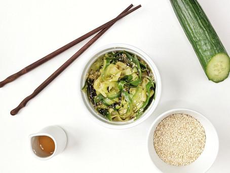 Asijský okurkový salát