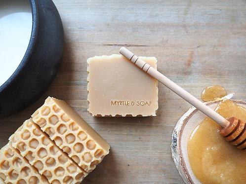HONEY POT Naturseife mit naturreinem Honig & Bio-Kokosmilch. Unparfümiert