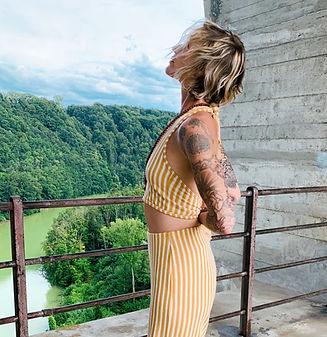 Be You Yoga Düdingen | Murten, Reversed Anjali Mudra