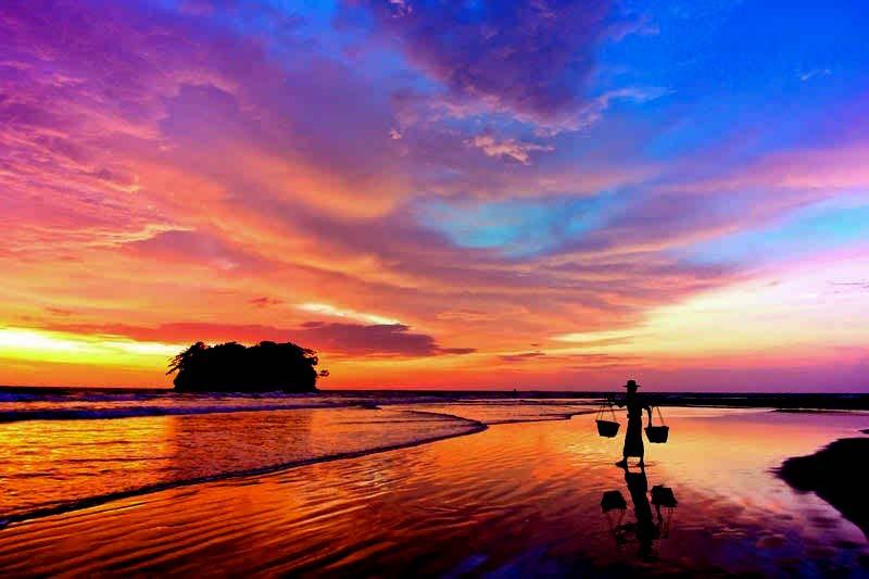 Ngwe Saung Beach3.jpg