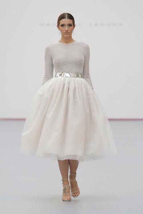apliques metalizados en vestidos de quince años