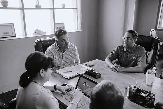 black-and-white-office-design-monochrome