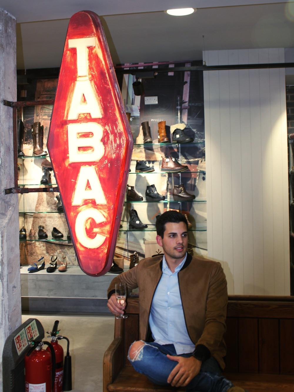 Jake shoes shop