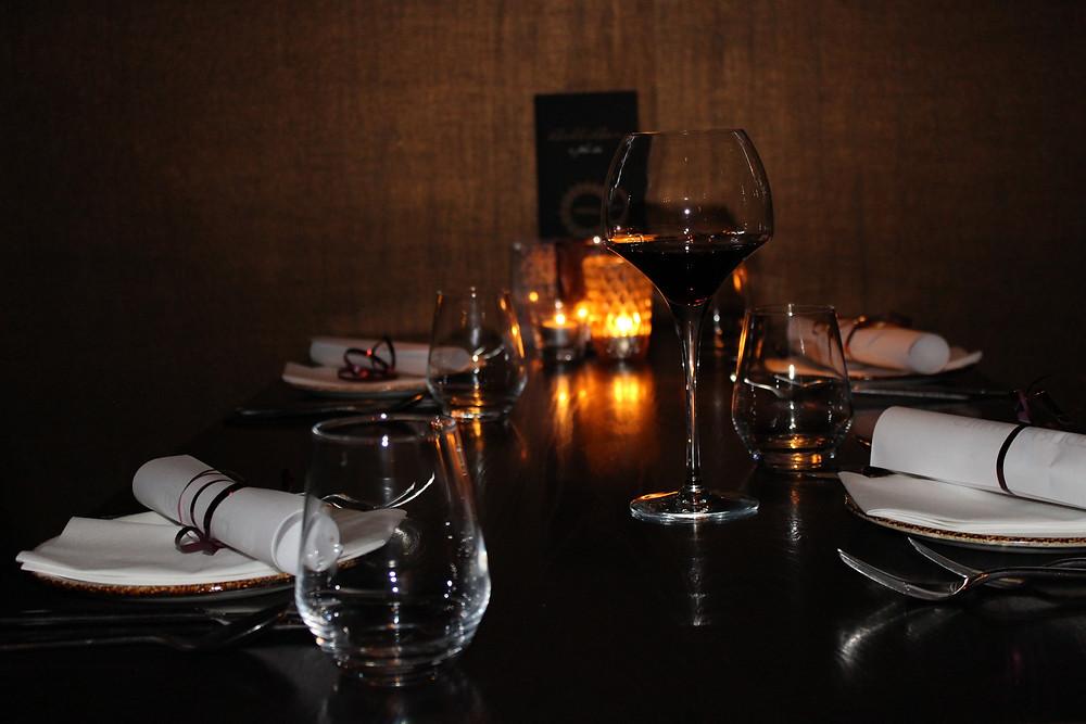 Restaurant table wine