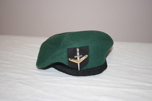 Green Beret - with badge of chosen unit