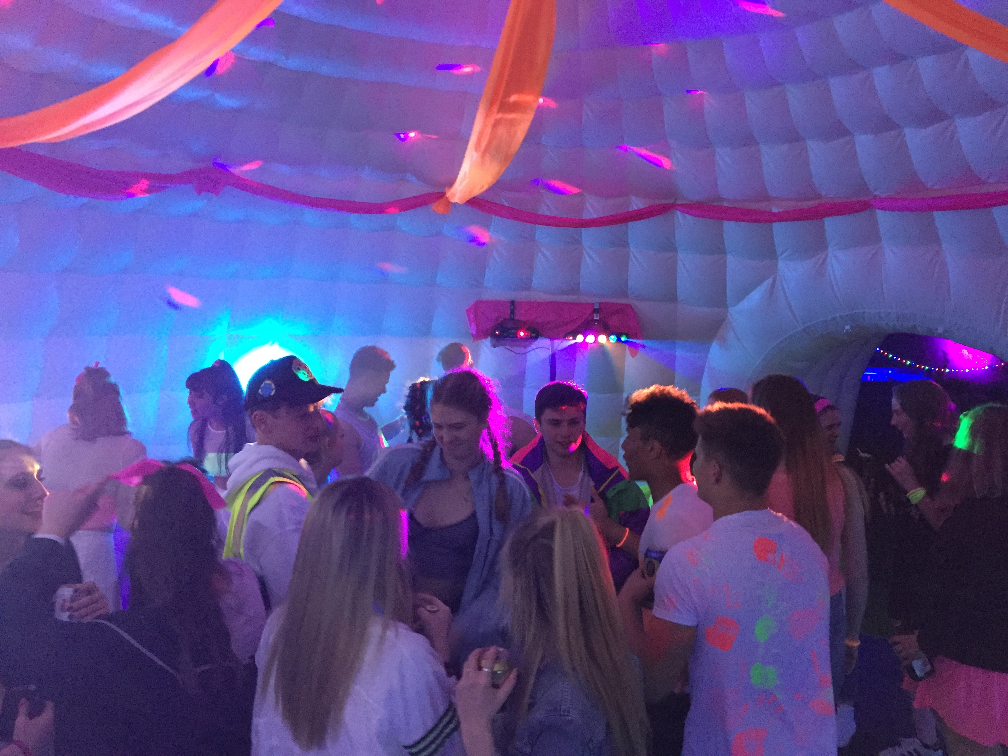 8m Igloo Party inside 2