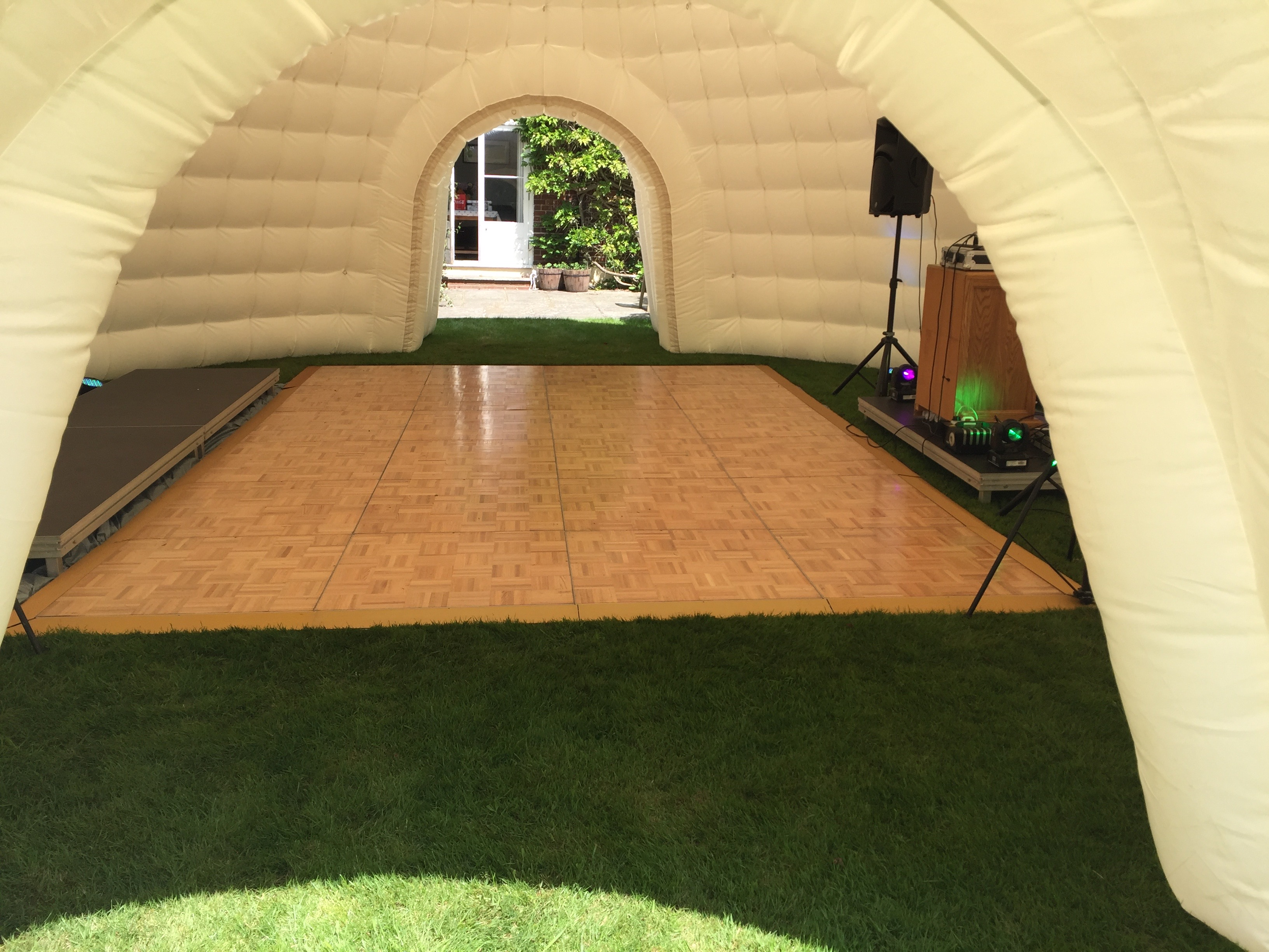 8m Igloo with dance floor