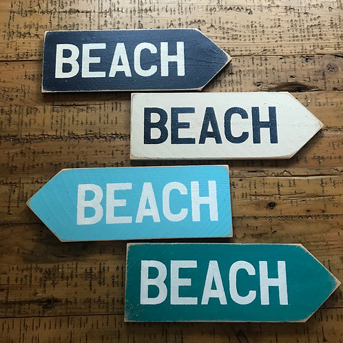 Beach direction wood sign