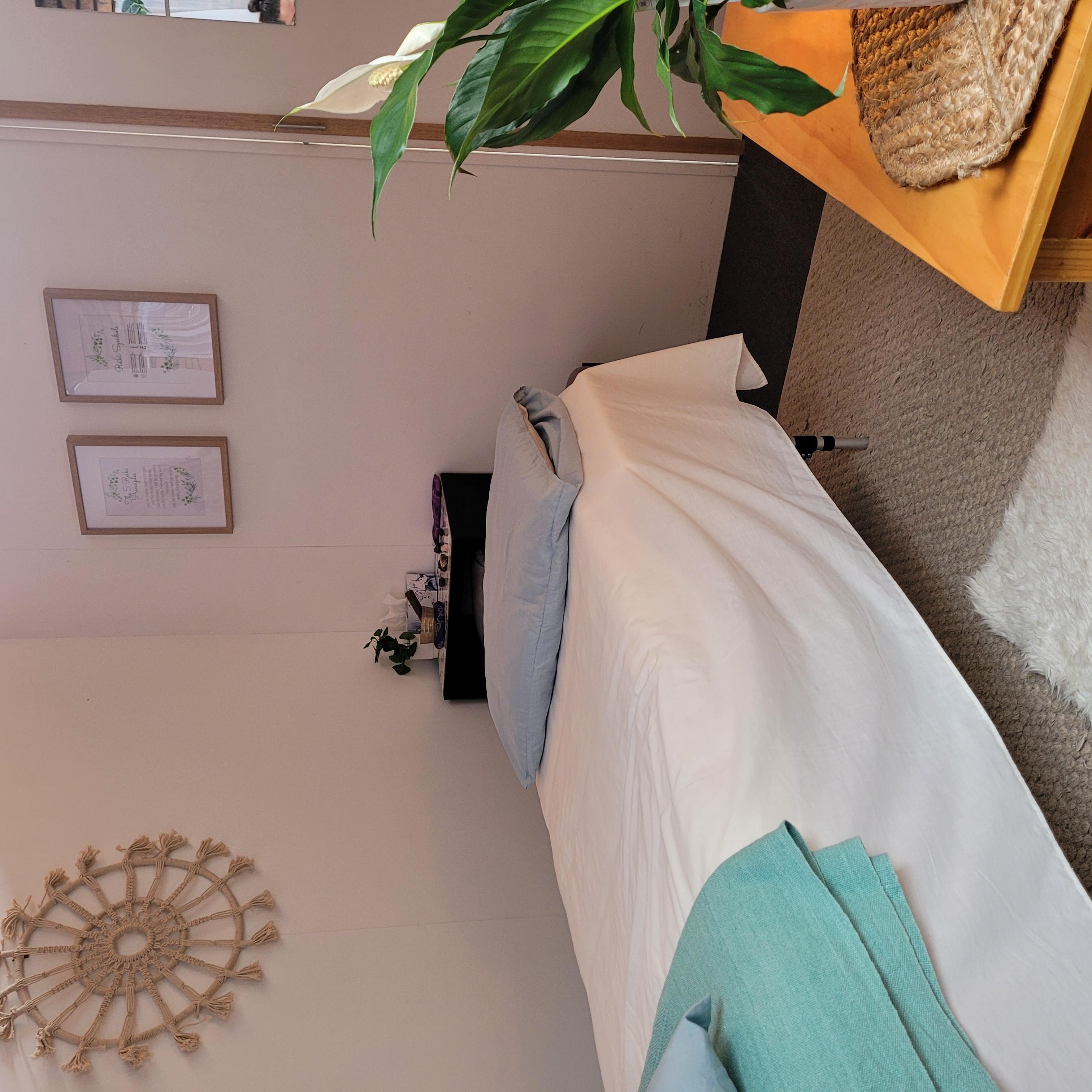 Reiki room pic 3.jpg