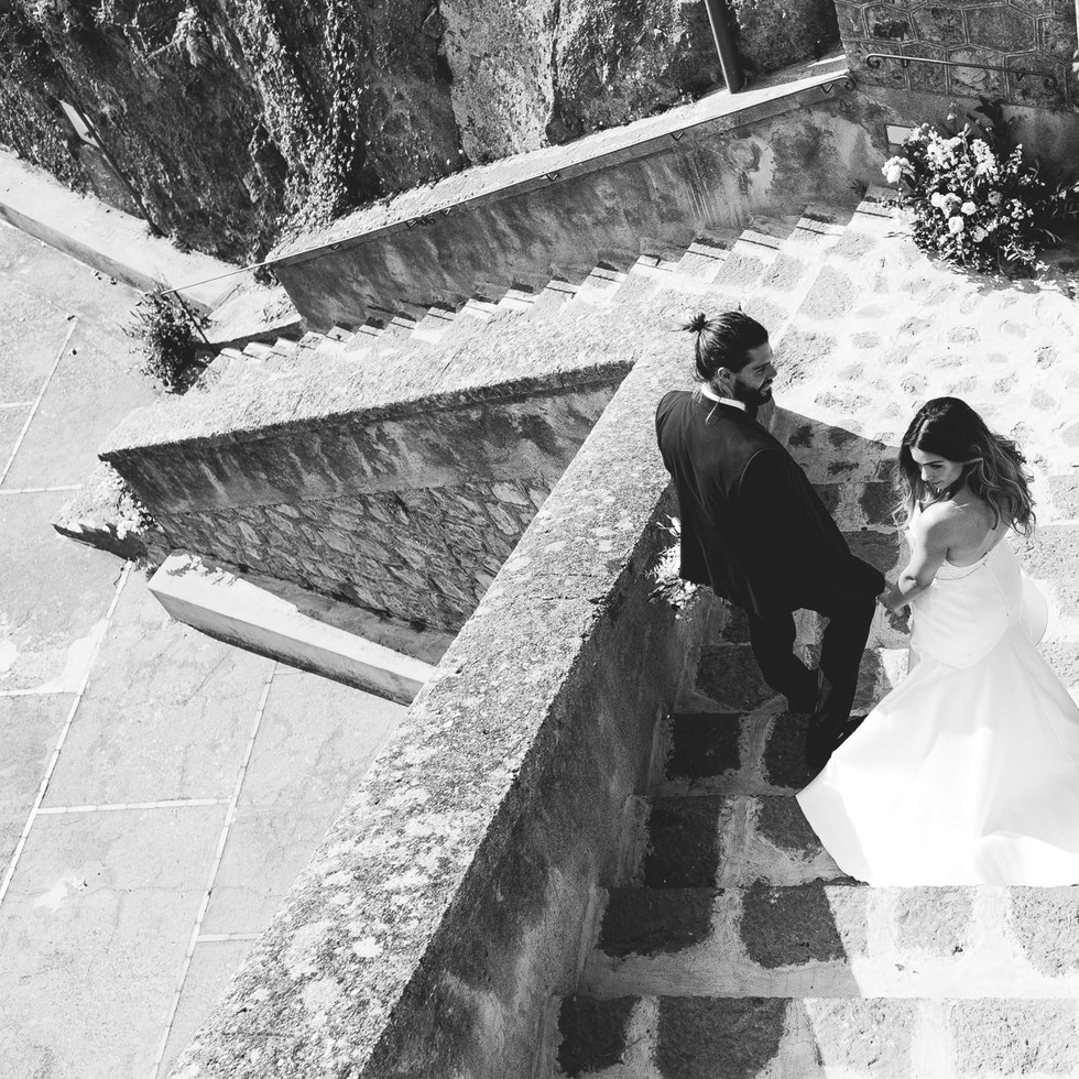 Stairs black and white wedding couple