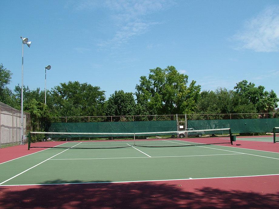 tennis courts2.jpg