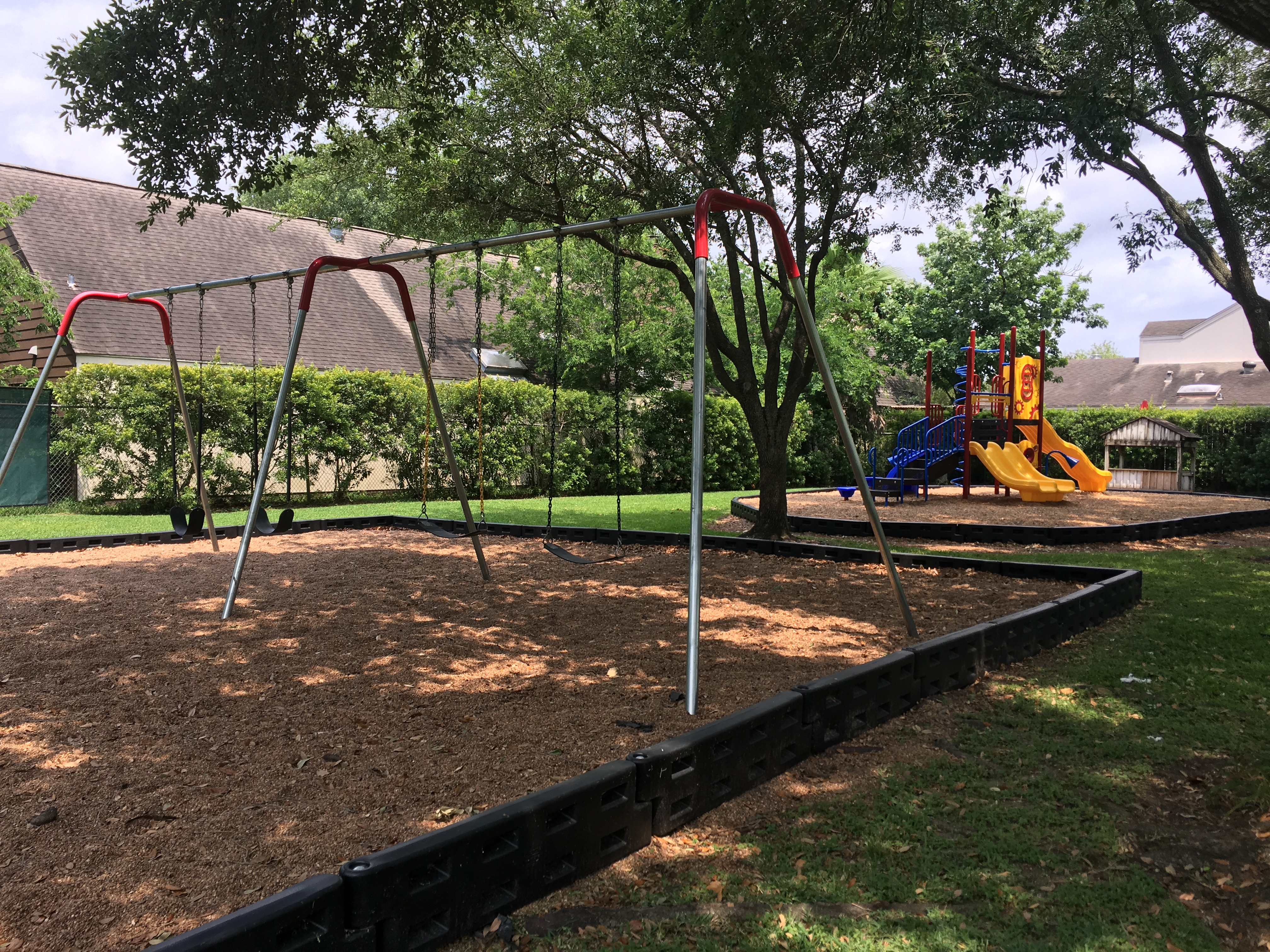 swing-play structure