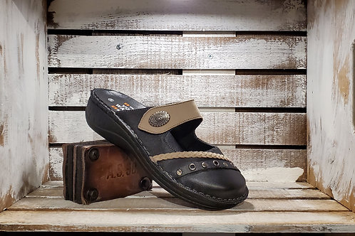 Black+Tuape w/Braided  Strap and Metal Accent Clog