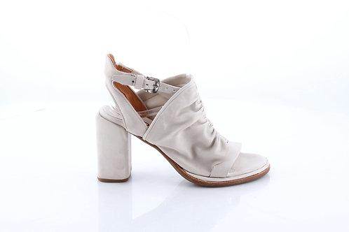 Dust# Brushed Leather Sandal