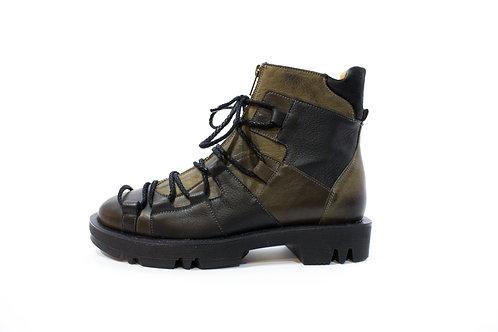 #011 Maciejka Women's Boot