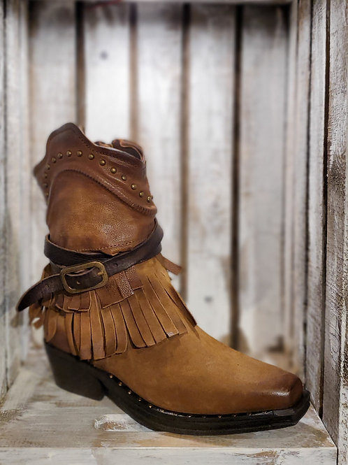 Camel Fringed Vaquero w/Studded Ban and Sole#450