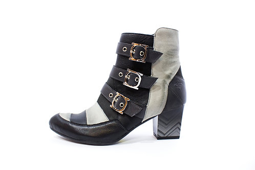 #012 Maciejka Women's Heel Boot
