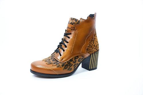 #015 Maciejka Women's Heel Boot