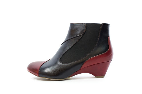 #176 L'Artiste Women's Ankle Boot