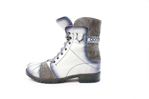 #014 Maciejka Women's Boot