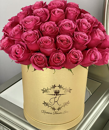 Red  Roses in Gold Luxury Box