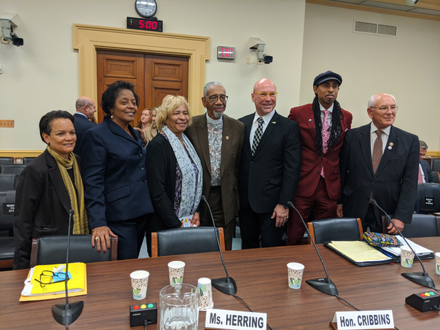 Sharon with members of Congress