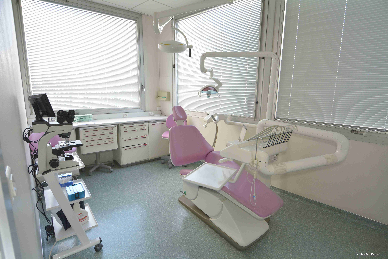 Dentiste_specialiste_gencive_cabinet_den