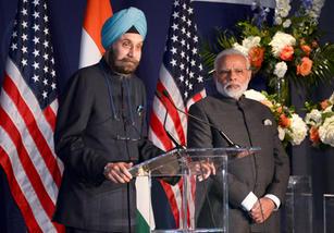 Introducing PM Modi to the Indian Community   Washington DC