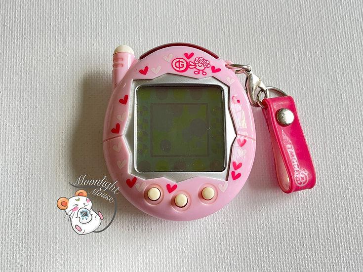 Tamagotchi Connection v3 Keitai Akai Pink Hearts Bandai Japan 2004