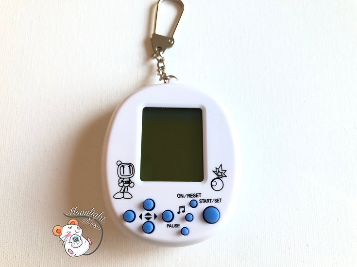 Tamagotchi White Hudson Bomberman Virtual Giga Pet 1997