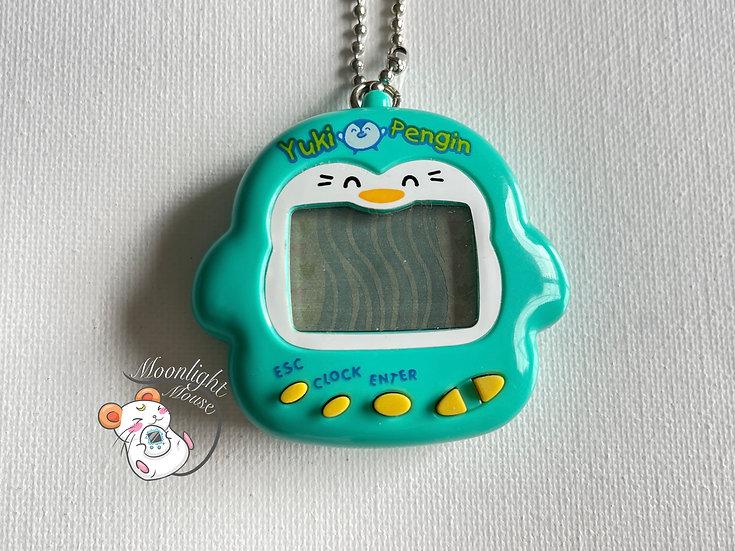 Yuki Penguin Blue Tamagotchi Virtual Pet 1997