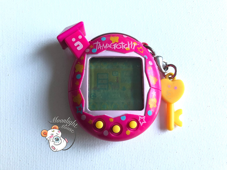 Tamagotchi Connection v5 Familtchi English Pink Butterflies Australia 2008