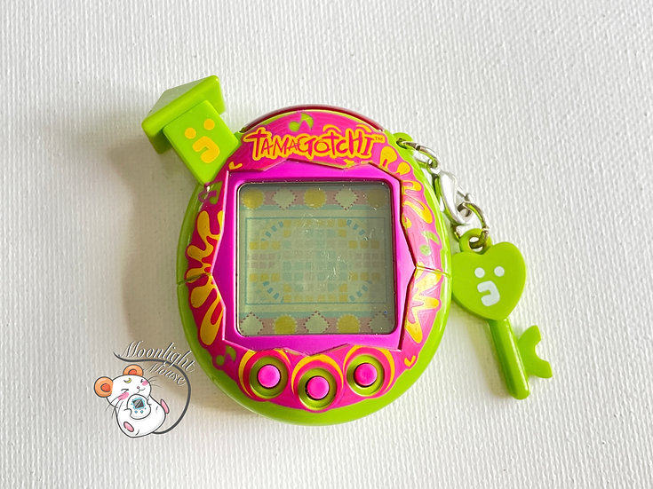 Tamagotchi Connection v5 Familtchi Green Pink Tropical Music Note Asia 2008