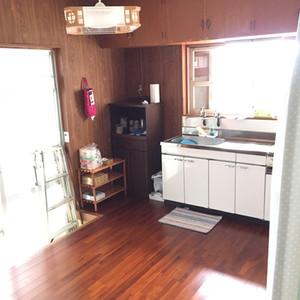台所。冷蔵庫あります